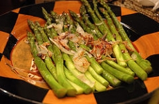 ASPARAGUS WITH SHALLOTS