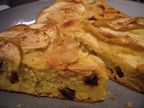 Apple-Raisin Cake