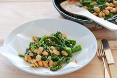 Broccoli With Pine Nuts