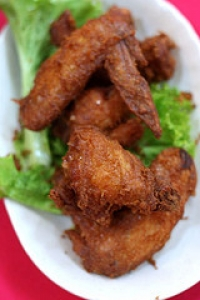 Steamed, Deep-Fried Chicken Wings