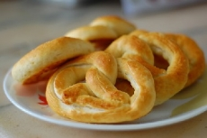 90-Minute Soft Pretzels