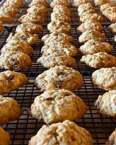 Chocolate Chip Raisin Cookies