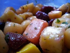 Peaches In Wine Sauce