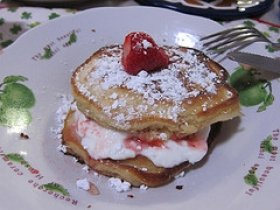 Yogurt Topped Strawberry Pancakes